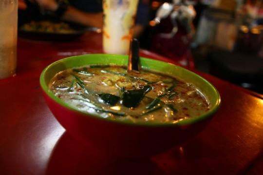 Tom Ka Gai (kokosowa zupa z kurczakiem)