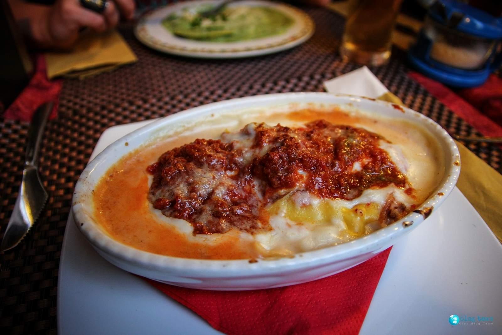 Lazania na Sycylii (lasagne)