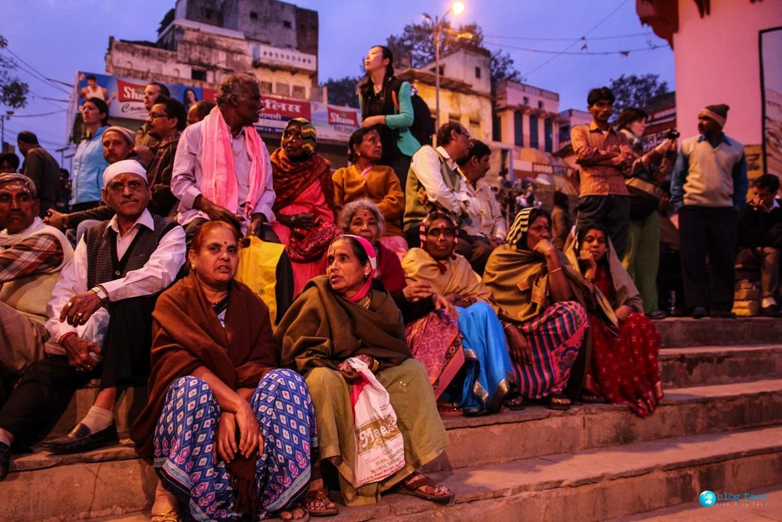 Varanasi, people on the stairs