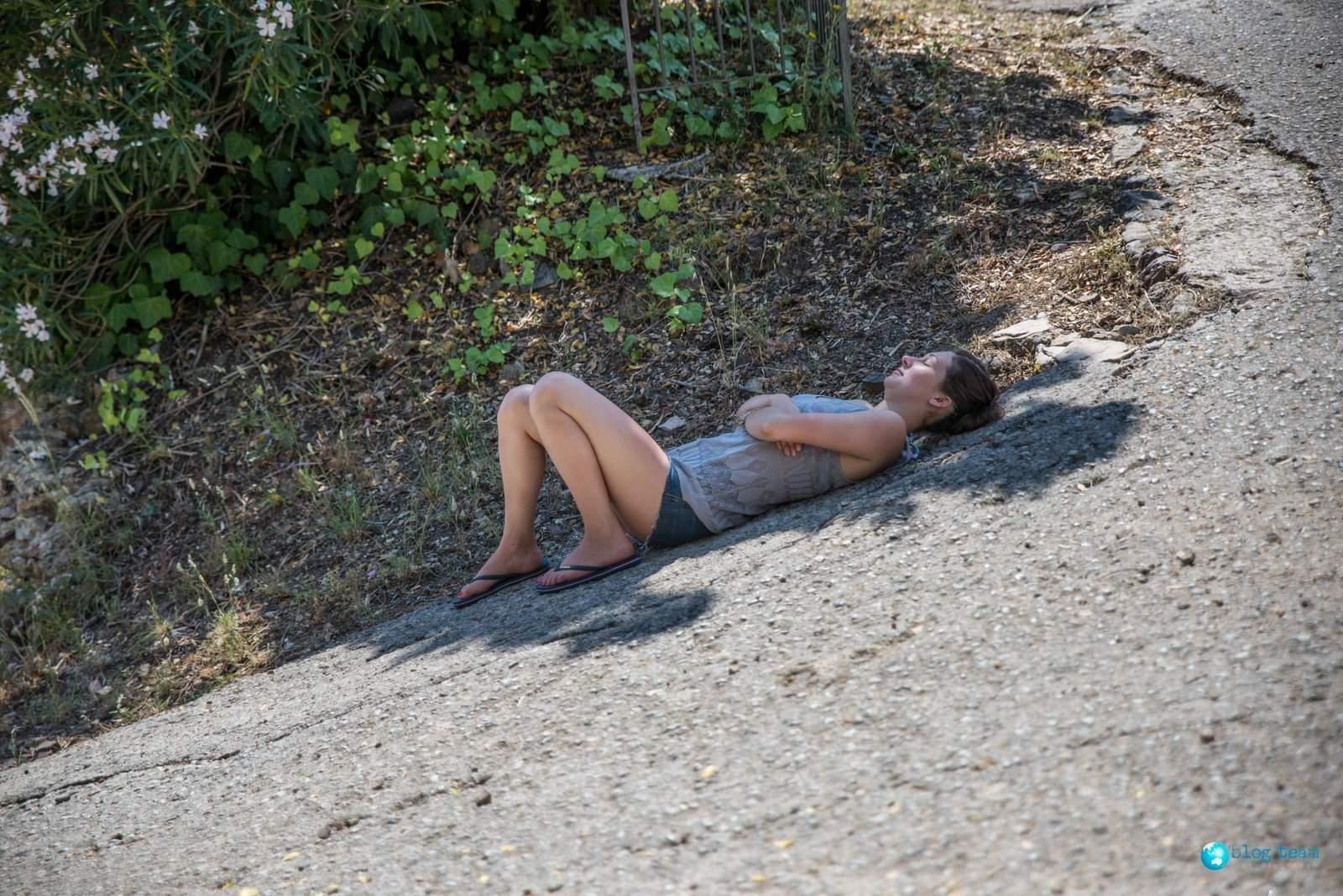 Odpoczynek na asfalcie