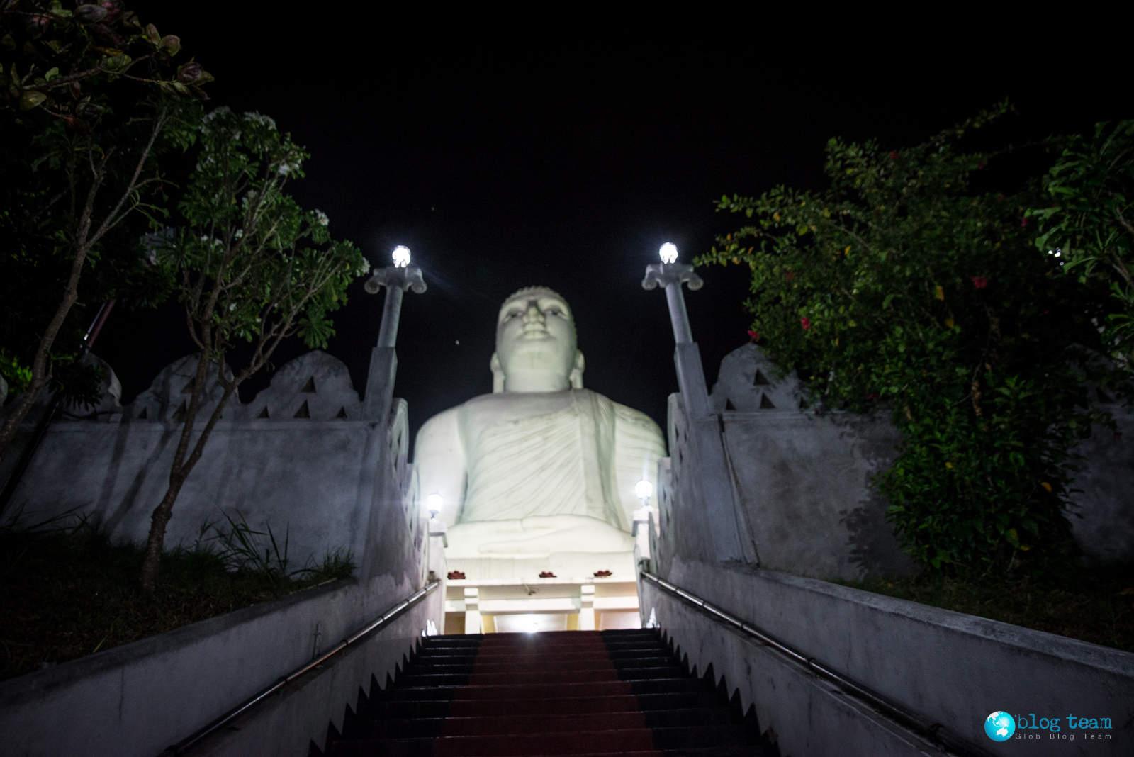 Posąg Buddy w Kandy