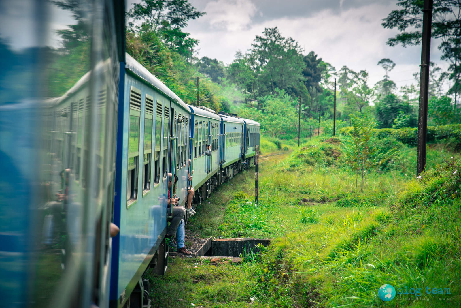 Train from Kandy to Nanuoya