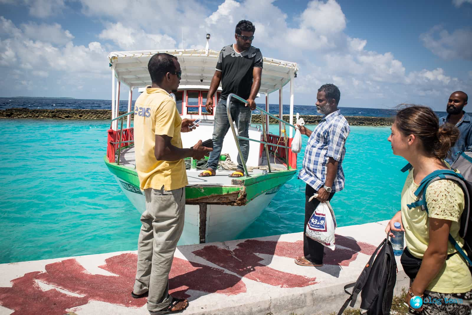 Local ferry z Omadhoo na Hangnaameedhoo