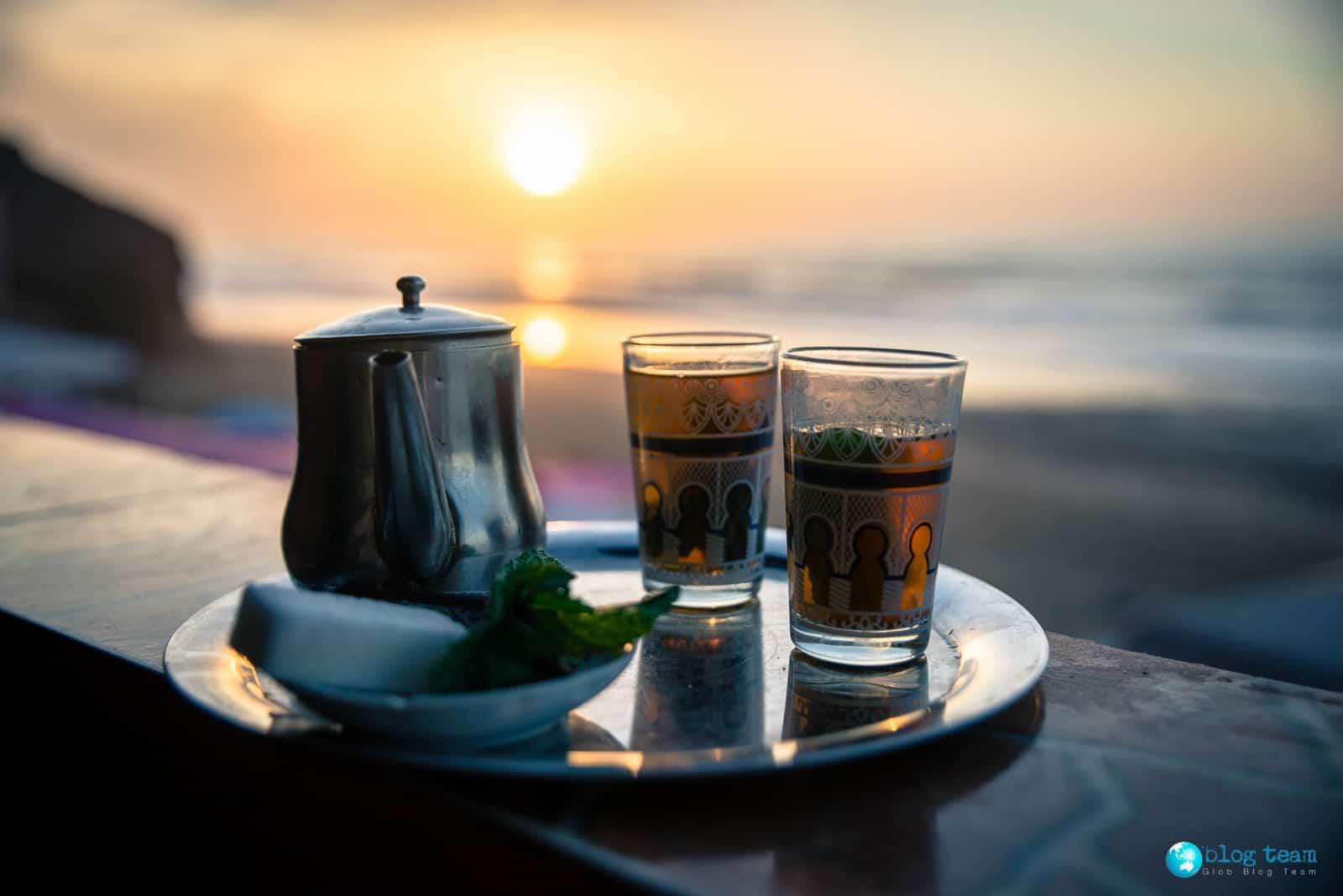 Herbata na plaży Legzira