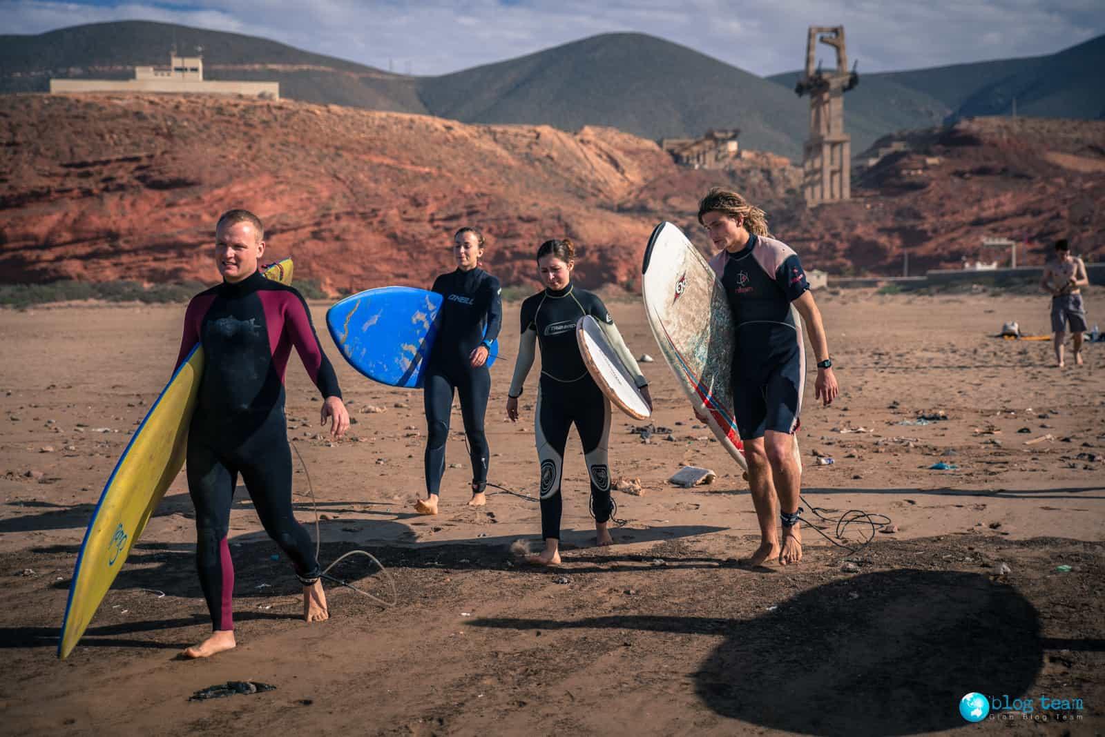 Idziemy uczyć się surfingu :)