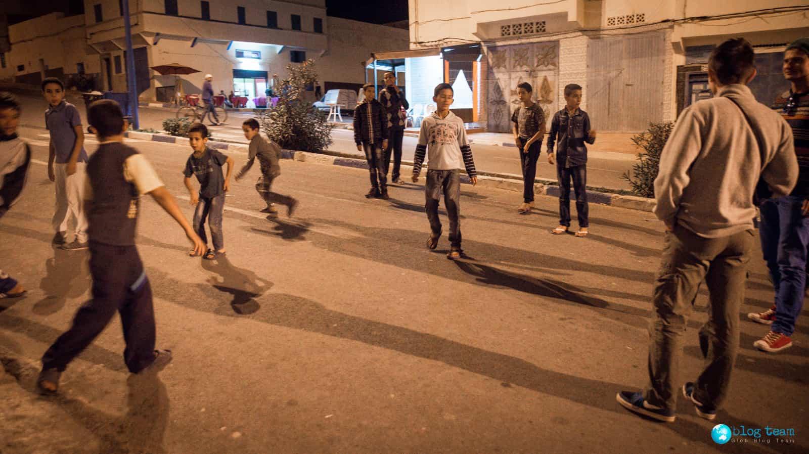Nocny mecz z chłopakami z Sidi Ifni