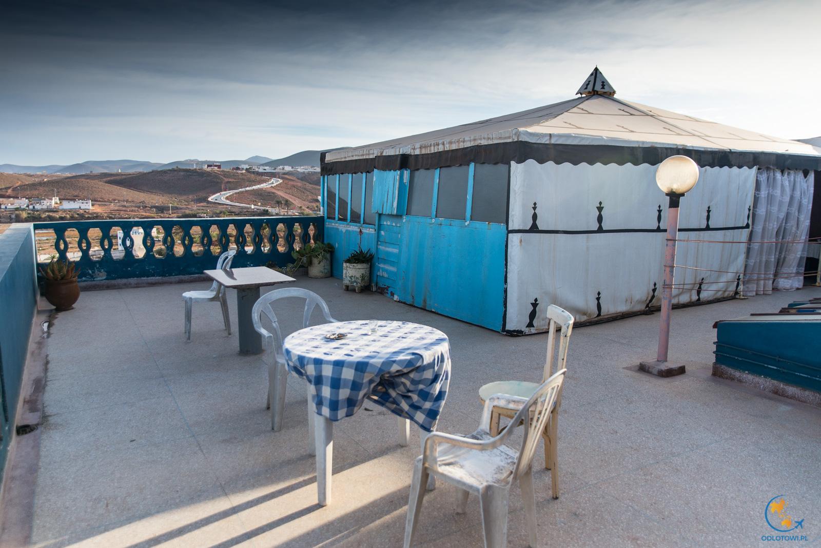 Namiot na dachu w Sidi Ifni