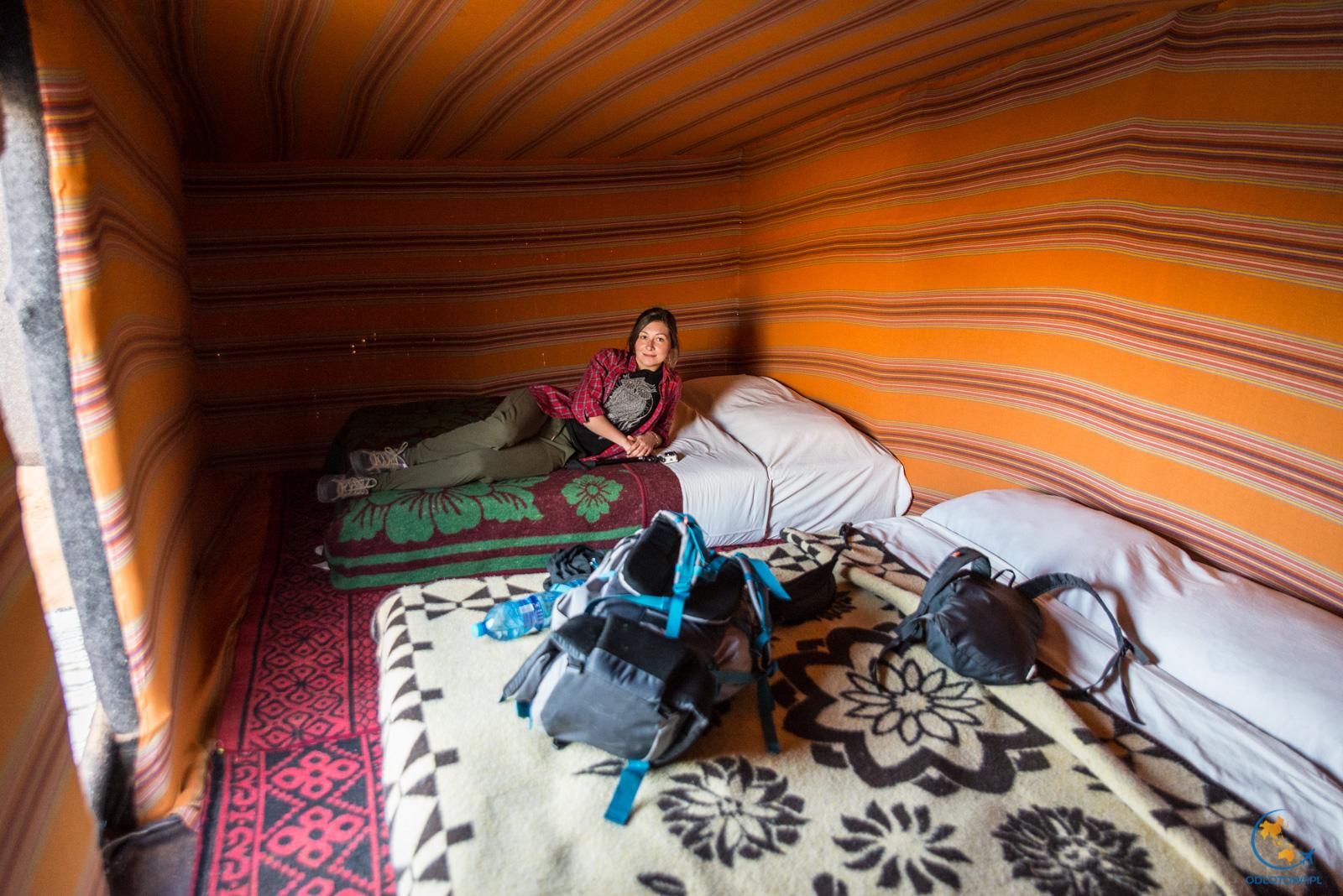 Spanie na pustyni - namiot, Maroko