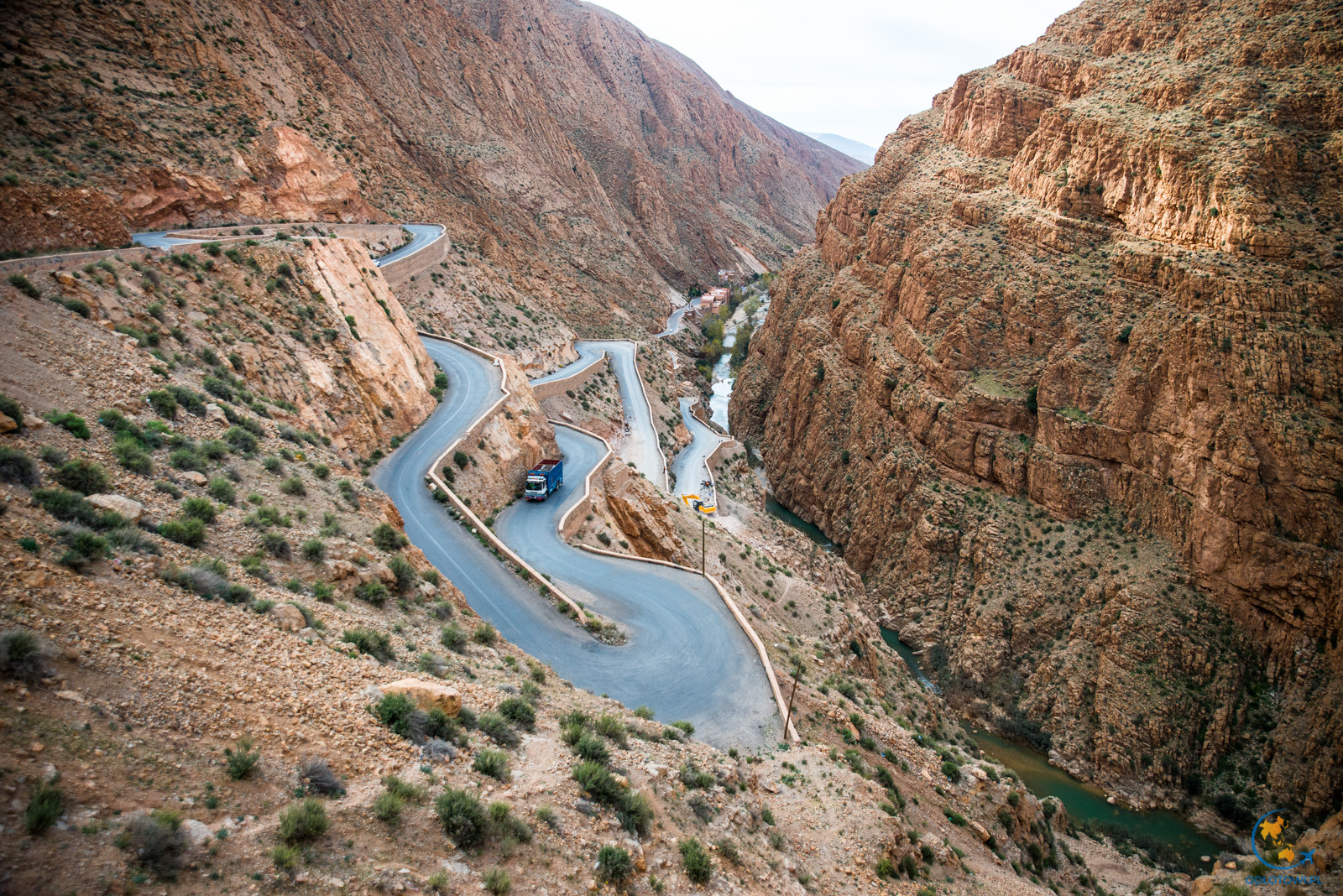 Kręte drogi doliny Dades | Dades Gorge - Stunning Winding Road
