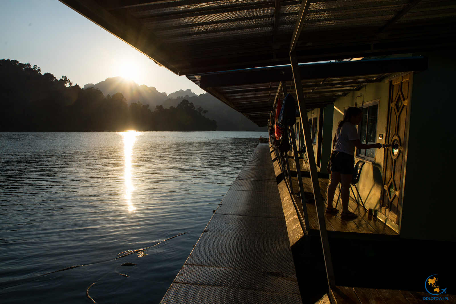Domki na wodzie - Khao Sok Smiley Lakehouse
