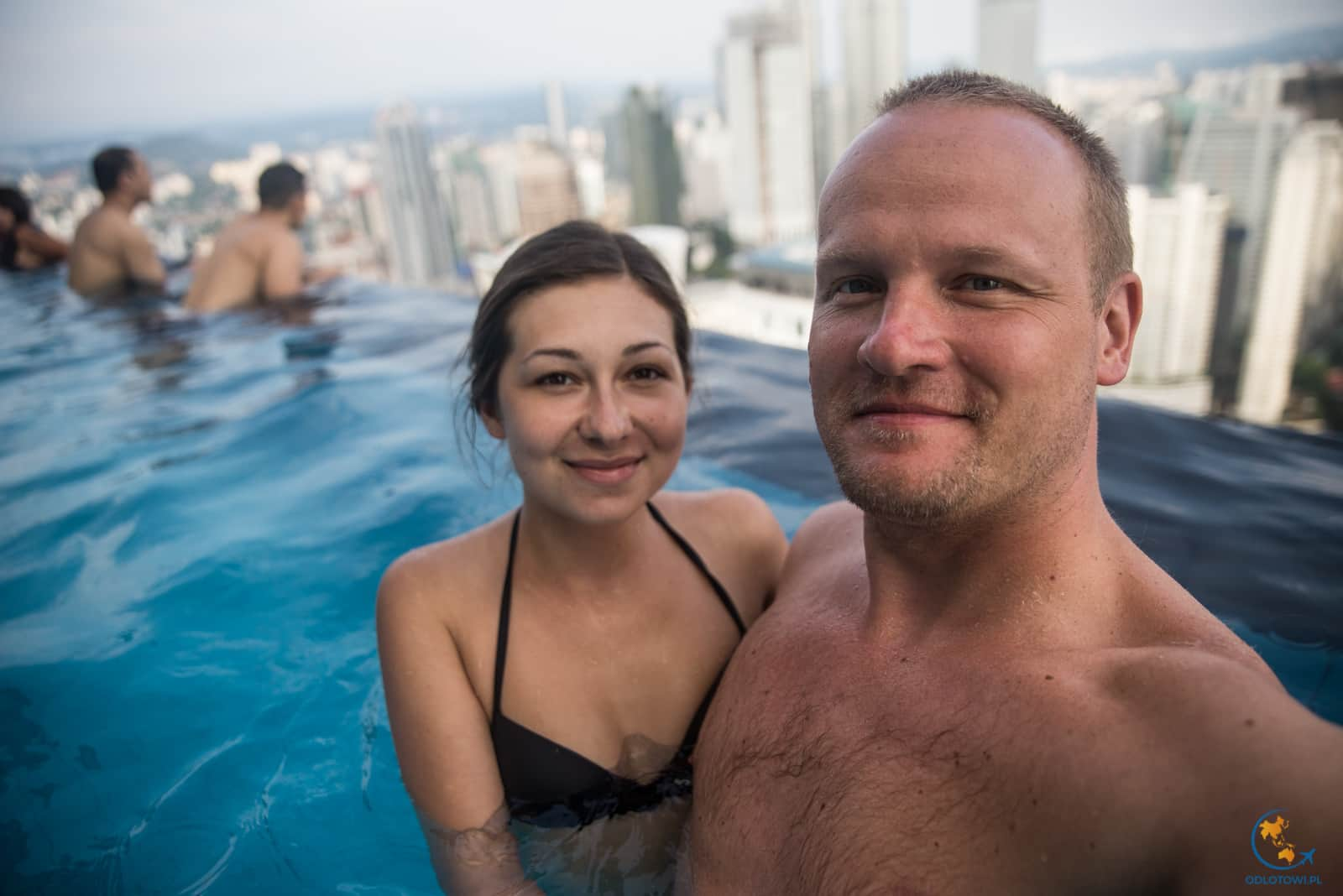 The Face Suites - infinity pool - Petronas Towers view - cold warer
