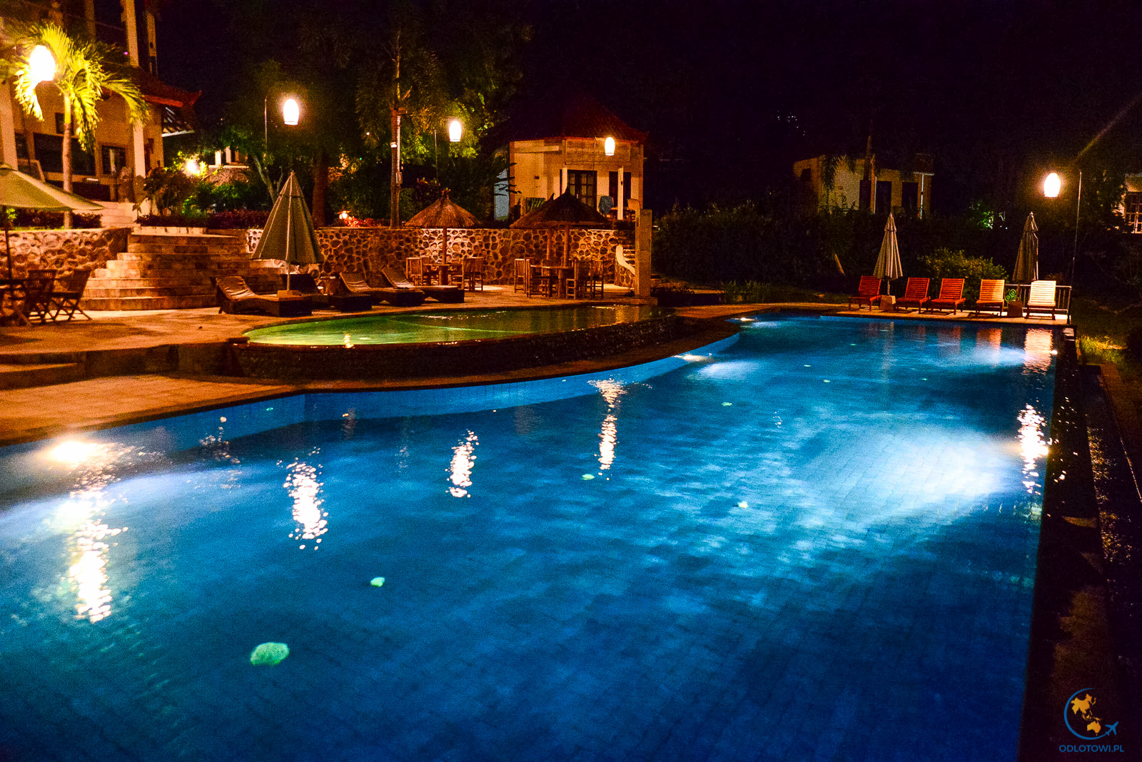 Hamsa Infinity pool by night - Bali